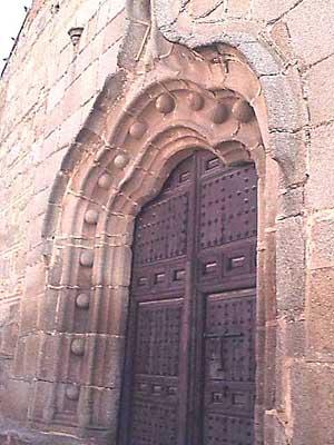 Iglesia parroquial de Santa María Magdalena, puerta