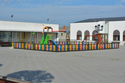 Plaza de Agustín Contreras, parque infantil
