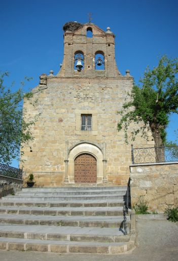 Iglesia parroquial de Santiago Apóstol, fachada