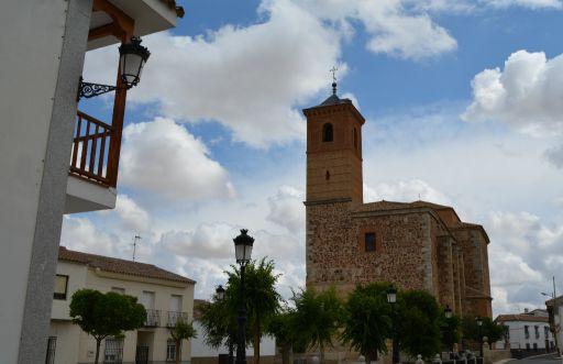 Plaza de la Constitución, Iglesia