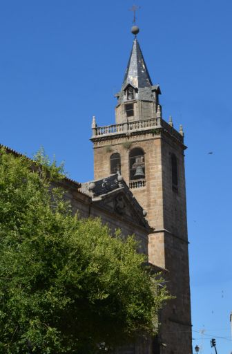 Iglesia parroquial de San Cristóbal, torre