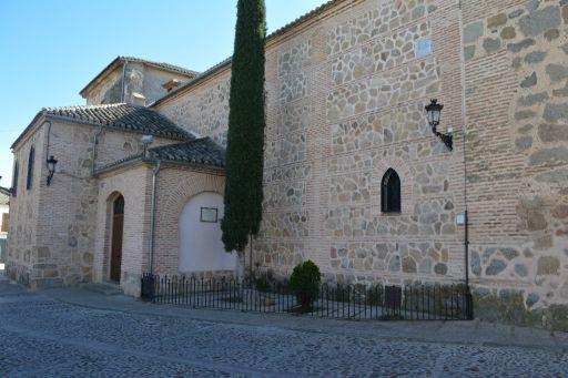 Iglesia de San Pedro Apóstol, vista lateral