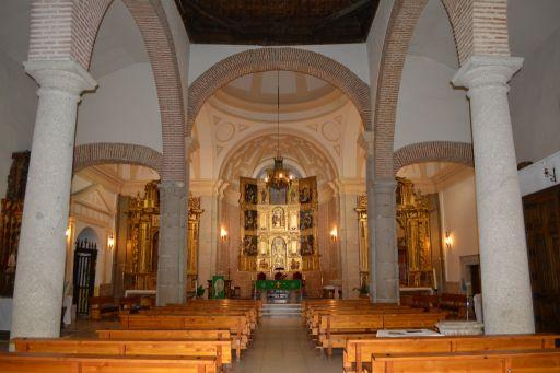 Iglesia de San Julián y de Santa Basilia, interior
