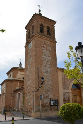 Iglesia San Felipe y Santiago el menor, Torre