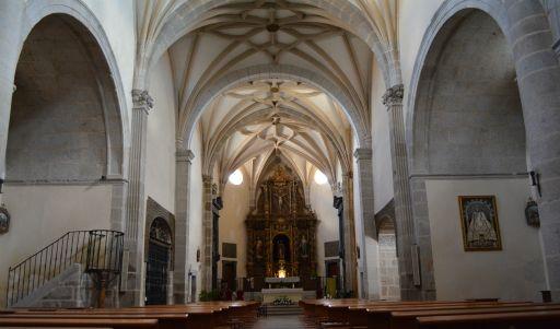 Iglesia parroquial del Apóstol Santiago, interior