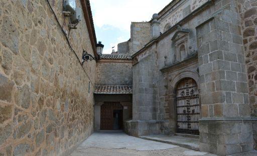 Convento de las carmelitas descalzas, callejón