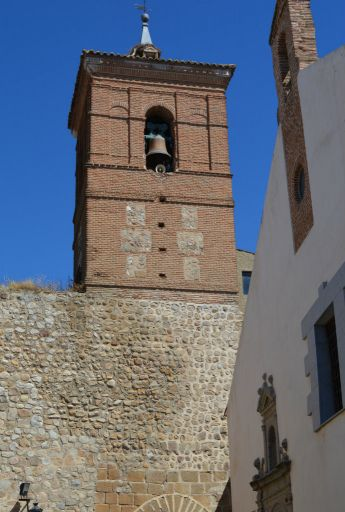 Iglesia de San Miguel Arcángel, torre