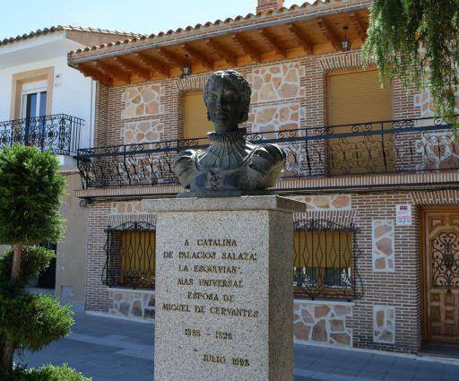 Monumento a Catalina de Palacios