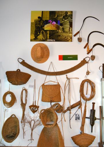 Museo de Costumbres, esparto