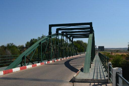 Puente sobre el río Tajo