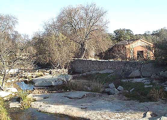 Entorno paisajístico, finca de El Castañar, molino y arroyo