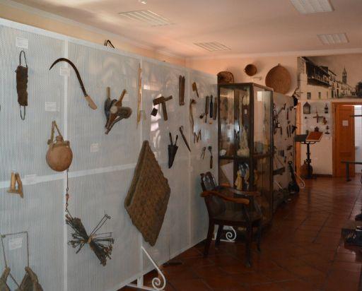 Museo etnográfico (b)