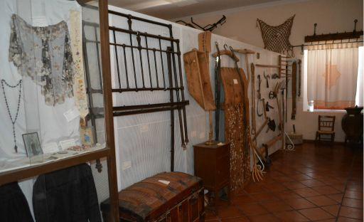 Museo etnográfico (d)