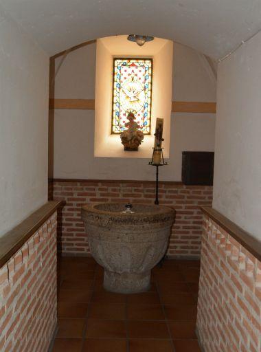 Iglesia parroquial de San Sebastián, pila bautismal