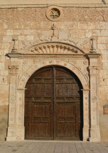 Iglesia de Santa María, portico