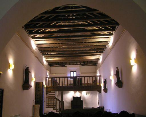 Arisgotas (anejo), Iglesia de la Virgen de Candelaria, interior