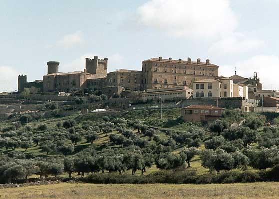 Castillo Parador (unión del Palacio Nuevo y el de Doña Elvira)