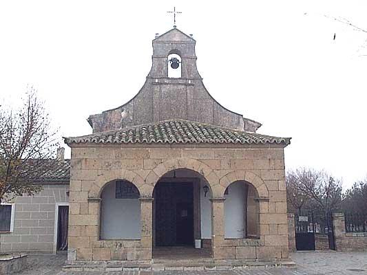 Ermita de las Peñitas, conserva la primitiva imagen de la Virgen de las Peñitas, patrona