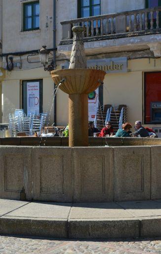 Plaza del Navarro, fuente