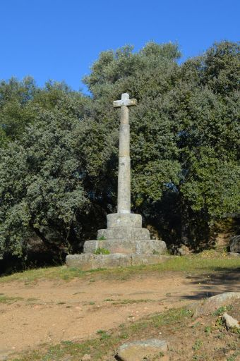 Ermita de la Fuente Santa, cruz