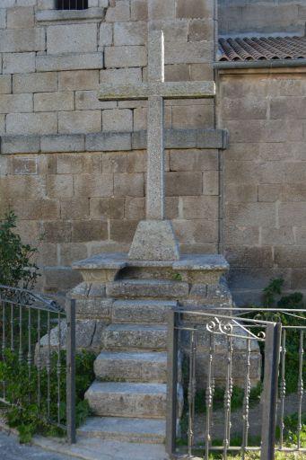 Iglesia parroquial de San Andrés, cruz