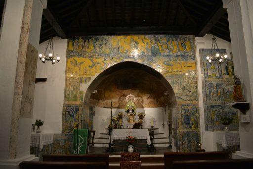 Piedraescrita, Iglesia parroquial de Sta. María de Piedraescrita, altar mayor