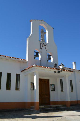 Iglesia de Robledo del Mazo, acceso