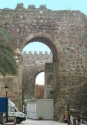Murallas, torres albarranas (b)