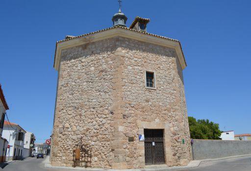 Biblioteca municipal y ermita de la Vera Cruz