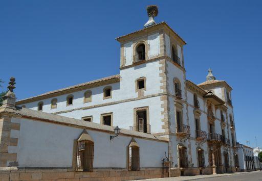 Palacio de las Torres, fachada principal