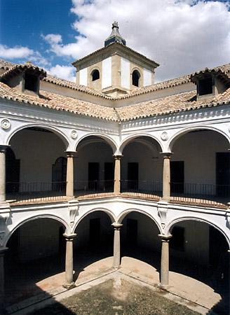 Palacio, Casa de las Torres, patio