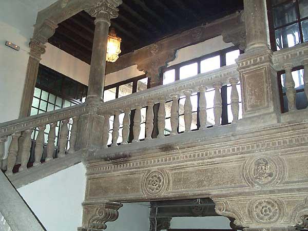 Palacio de Malpica, escalera