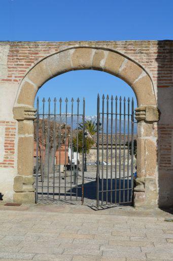 Ayuntamiento y Antiguo Hospital del Pobre, puerta