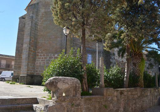 Verraco e iglesia