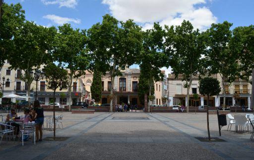 Plaza España y antiguo ayuntamiento