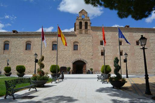 Ayuntamiento y Palacio de Don Pedro I, fachada