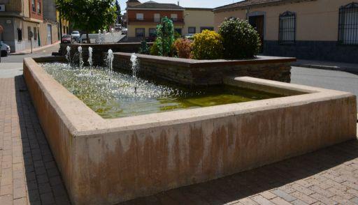 Fuente de la Plaza (c)