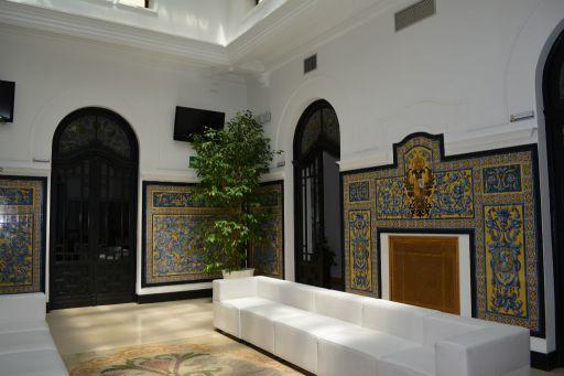 Ayuntamiento y La Casa de Ciriaco, cerámicas