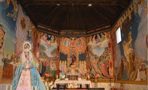 Iglesia parroquial de San Bartolomé apostol, altar