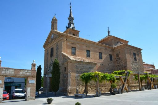 Iglesia parroquial de Santa María Magdalena, lateral