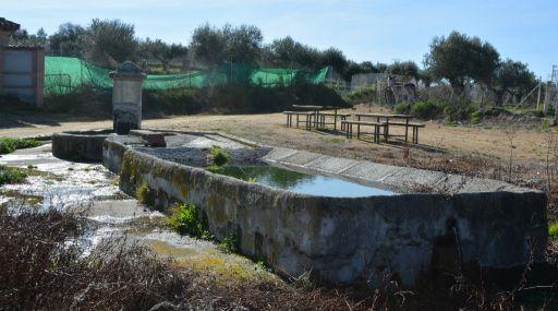 Fuente de Carrasca. Lavadero y abrevadero