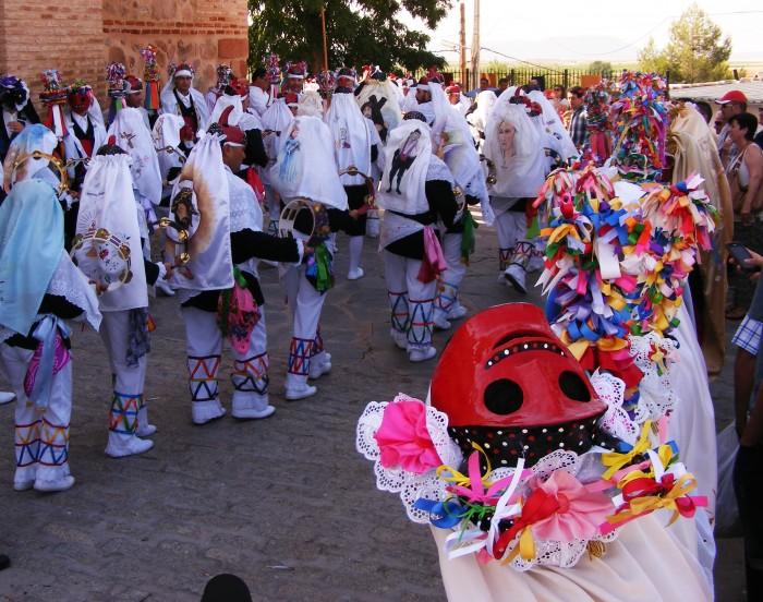 Fiestas del Corpus Christi, pecados y danzantes, filas e danzantes