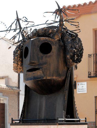 Escultura pecados y danzantes (a)