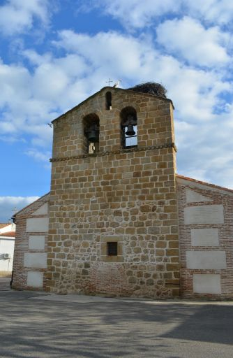 Iglesia de Santiago Apóstol, espadaña