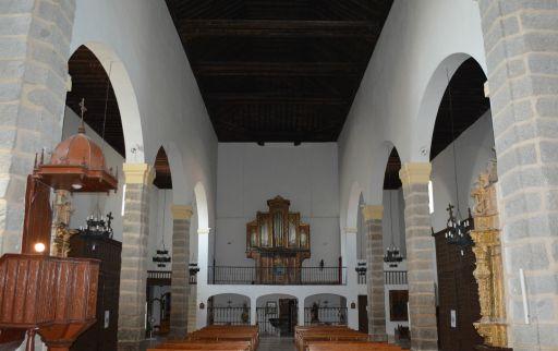 Iglesia parroquial de San Cipriano, interior coro y órgano