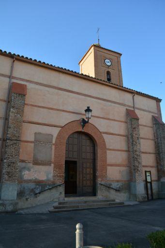 Iglesia parroquial de Santiago el Mayor, entrada