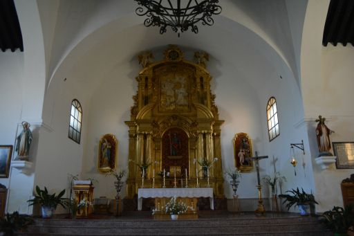 Iglesia parroquial de Santiago el Mayor, altar