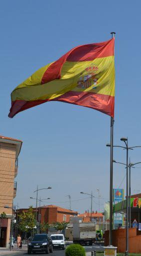 Bandera y avenida