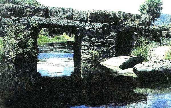 Puente en piedra