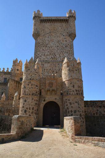 Castillo (a)